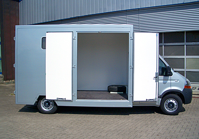 Reitsport Transporter 3,5 Tonnen Klasse auf Renault Master