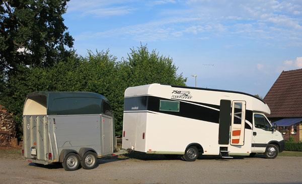 InnoMobil Road Runner 750 mit Reitsport Anhänger, bis 3,5 Tonnen Anhängelast
